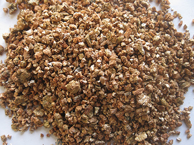 Horticultural expanded vermiculite